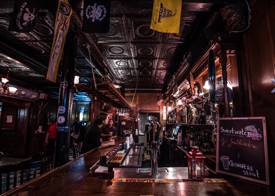 Pub Tour Bar